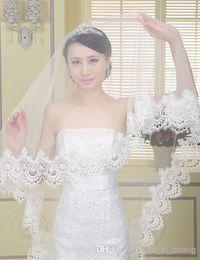Wholesale waltz length - 2016 New Fashion Bridal Veils 1.4 Meters Ivory One Layer Lace Edge Wedding Veils Dhyz 01
