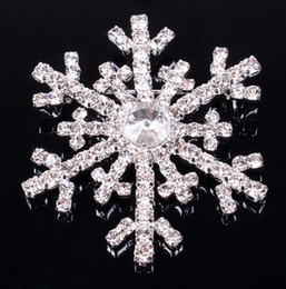 Wholesale Rhinestone Snowflake Pins - Christmas snowflake brooch silver rhinestone crystal alloy brooches cartoon Christmas pins clips pin women children party favors gift