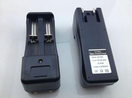 circuits de chargeur de batterie Promotion 18650 18350 Adaptateur de chargeur mural de batterie Dual Ports pour Li-ion 18500 16340 Lampe de poche eGo Universal Batteries Chargeurs EU US Plug Q2