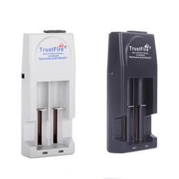 balance numérique chargeur rc Promotion Chargeur de batterie TR-001 Chargeur de batterie Trustfire de haute qualité pour 18650 18500 18350 17670 14500,10440 Batterie AU / UK / EU / US Plug