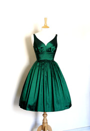 Discount real sample sexy prom dress New Arrival Real Sample Picture A Line V Neck Emerald Green Taffeta Short Prom Dress Women Free Shipping WH470