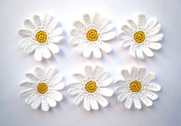 Wholesale Crochet Flower Decoration - Crocheted daisies, white flowers applique, embellishments, wedding decorations  set of 30