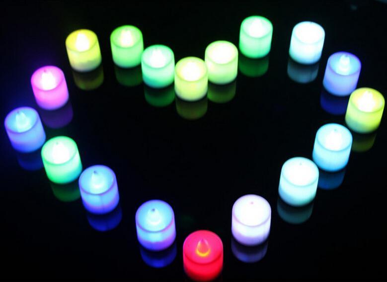 Velas sin humo LED Funciona con batería Parpadeo Parpadeo Sin llama Tealight LED Velas de luz para la boda Fiesta de cumpleaños Navidad