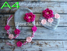 Housses De Couches De Photos Pas Cher-Expédition gros-libres, 5set / lot New Handmade Crochet né bébé fleurs rouges Hat Diaper couverture sertie photo Prop
