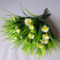 поддельные зеленые белые цветы оптовых-Искусственная зеленая трава с маленькими цветами поддельные завод 8 шт. фиолетовый/розовый/ярко-розовый/белый/красный 7 стеблей для свадьбы дома рождественские украшения