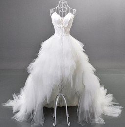 Robe De Mariée En Tulle En Plume De Dentelle Pas Cher-2014 Style populaire Robes de mariée basse haute Feather Cristaux Ruffles Sweetheart Lace up Back Tulle Robes de mariée de luxe Custom Made W180