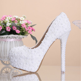 Wholesale White Flower Bridal Shoes - Free shipping 2015 new white handmade lace flowers pearl high heels wedding shoes for women platform fashion bridal shoes girl dress shoes