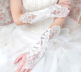 Wholesale White Ball Gown Gloves - New Fashion Girl Wedding Dress Finger Gloves Child Flower Gown Ball Glove Kid Butterfly Floral Beaded Mittens Performance