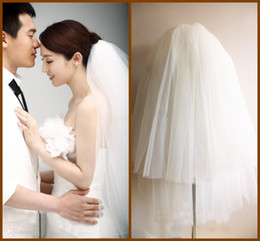 Wholesale Short Tier Wedding Veils - 2015 new arrival Free Shipping Short Tiers Bridal Veils Tulle Natural Bottom White Wedding Dress Accessries Fluffy Veil with Comb