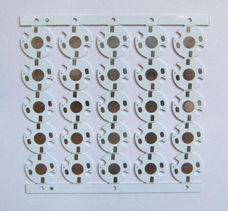 El tablero de aluminio del PWB de la placa del 16MM llevó para 1W / 3W / 5W llevó la luz / del microprocesador
