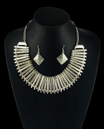 Bildirimi Kolye Hint Etnik Kolye Küpe Seti Bohemian Gümüş kaplama Takı Seti Geometri Tıknaz Zincir 5 Takım / grup cheap indian bohemian necklace nereden hintli bohem kolye tedarikçiler