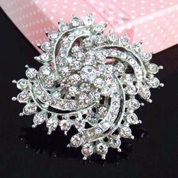 $enCountryForm.capitalKeyWord Canada - Cheap Wholesale Vintage Silver Rhodium Plated Clear Rhinestone Crystal Flower Pin Brooch Wedding Bridal Bouquet Flower Brooch B676