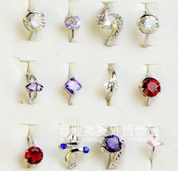 Wholesale Wholesale Party Costumes - Fashion Simulation Zircon Finger Ring Popular Costume Glass Diamond Alloy Rings Jewelry For Women Cheap Sale