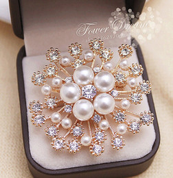 Wholesale Gold Snowflake Brooch - 2 Inch Gold Plated Clear Rhinestone Crystal Diamante Cream Pearl Snowflake Wedding Brooch Bridesmaid Prom Party Pins