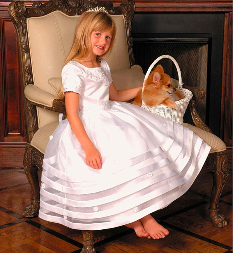 Hot ! New 2016 Elegant Floor Length Appliques Organza Short Sleeves First Communion Dresses Tiers Kids Evening Party Dresses