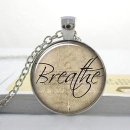 Wholesale Words Circle Pendant - Free shipping Breathe Necklace, Inspirational Word Pendant, Motivational Quote Jewelry L--5