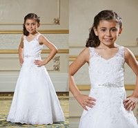 Wholesale Inexpensive Ivory Wedding Dresses - 2017 Collection Lace Flower Girls Dresses Inexpensive Pageant Dress For Little Girls Long Childen Party Gowns With Applique Beaded