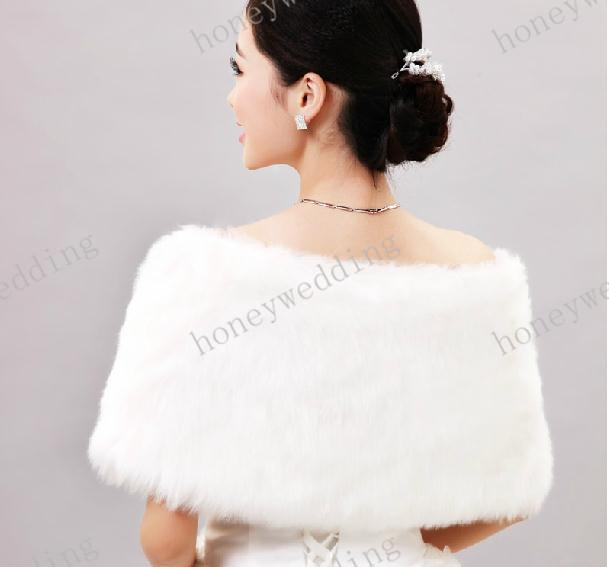 Faux Fur Bridal Wraps New Arrival Pearls Thermal Free Size Bride Bridesmaid Dresses Jackets Wedding Accessories Shawl High Quality Cheap