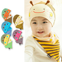 Wholesale baby bee hat - 2014 newborns autumn private baby baby hat cap of small bee head cotton cloth cap + triangle towel outfit WD206