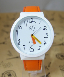 Карандашные часы онлайн-Wholesale-Holiday Sale New Arrive Pencil Hands Cartoon Watch Children Women Ladies Fashion Dress Wrist Watch OLJ-11