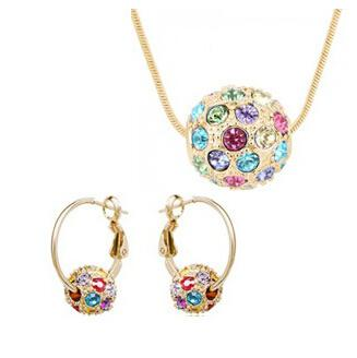 Austrian crystal ball full of diamond -shaped gold-plated 925 sterling silver jewelry set necklace and a pair of earrings XL53