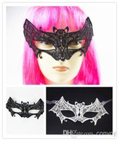Wholesale Fancy Dress Batman - Halloween Sexy Black Lace Masks Lady Lace Hollow Batman Half Face Eye Masks Black White Halloween Masquerade Party Fancy Dress Masks HM01