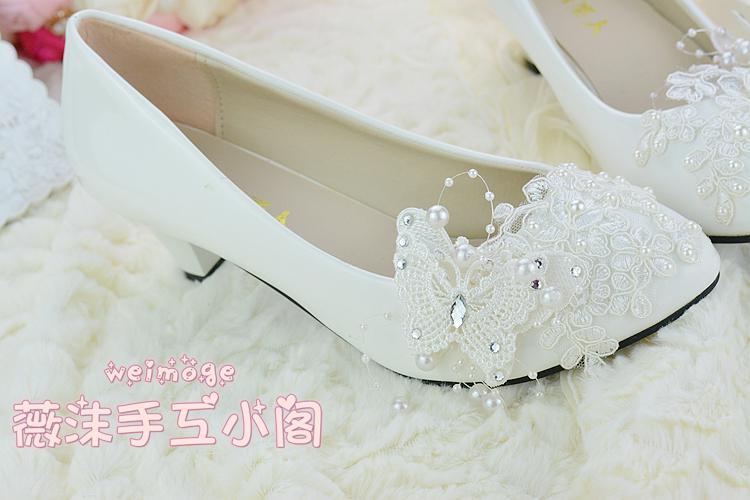اليدوية العاج لؤلؤة الرباط أحذية الزفاف فراشة الخرز شقة 4.5 سنتيمتر 8 سنتيمتر كعب منخفض كعب أحذية الزفاف مخصص حجم الأحذية أحذية العروسة