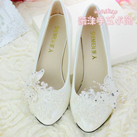 Wholesale Ivory Lace Bridesmaid Shoes - Handmade Ivory Pearl Lace Wedding Shoes Butterfly Beads Flat 4.5cm 8cm Heel Low Heel Bridal Shoes Custom Made Size Shoes Bridesmaid Shoes