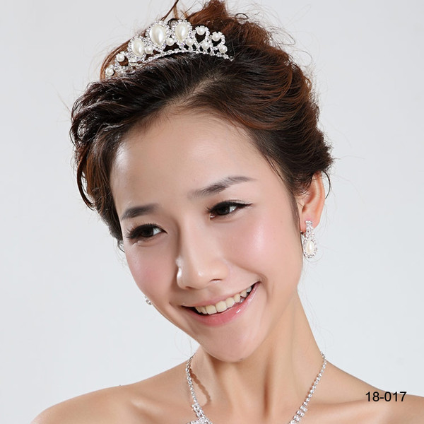 In Stock 18017 Beautiful Elegant mitation Pearl Rhinestone inlay Crown Tiara Wedding Bride's Hair Comb Crowns for Prom Party Evening