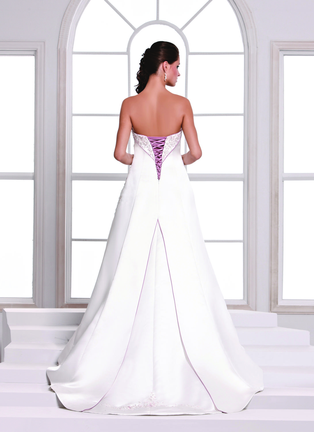 Sexy 2021 Vintage Purple and White Suknie Ślubne Haft Bill Levkoff Sweetheart A Line Plus Size Lace Up Suknie Ślubne DL1313526