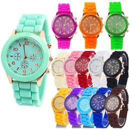 2019 спортивные наручные часы Wholesale-2014 New Geneva 14 Colors Optional Women Dress Watch 2014 Quartz Men Silicone Sport Watches Unisex Wristwatch B003 SV001155 дешево спортивные наручные часы