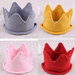 baby girl knitted winter bonnets 2019 - Fashion Baby Knit Crown Tiara hats Kids Infant Crochet Headband cap hat birthday party Photography props Children winter