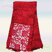 cordones africanos químicos franceses al por mayor-La tela de encaje soluble en agua química africana más popular del diseño de la flor roja XW1-4, tela del cordón del guipur del grado superior del francés para el vestido