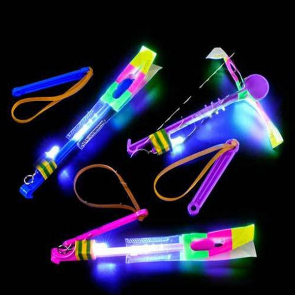 LED-erstaunlicher fliegender Pfeil-Hubschrauberregenschirm heller Fallschirmkindspielwaren Neuheit-Spielzeug-lustiges Spielzeug-WeihnachtsParty-Geschenk