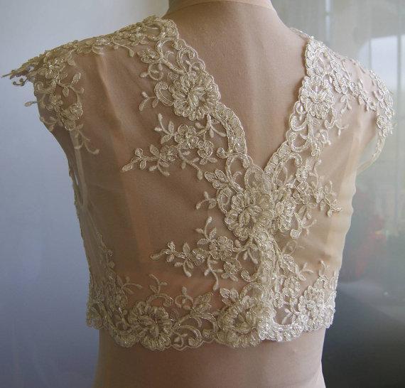 2016 Delicate Lace Bridal Jackets Jewel Neck Cap Sleeves Illusion Appliques Tulle White Ivory Champagne Bridal Shrugs Bolero Wrap
