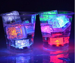 Wholesale Light Up Led Ice Cube - New Arrive Xmas Gift Romantic LED Ice Cubes Fast Slow Flash 7 Color Auto Changing Crystal Cube Party Wedding Water-Actived Light-up