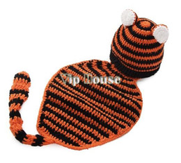 Wholesale knitted baby animal outfits - Wholesale-Children Handmade prince newborn infant baby Animal Beanie cap photography props knitted hat OUTFITS SETS 0-6Month 18496