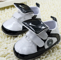 Wholesale Korean Handsome Baby - 2014 New Fashion Baby First Walkers Korean Version Lovely Baby Boy Handsome Black White Patchwork Patent leather Shoes H0452-TX