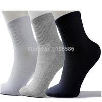 Wholesale Long Black Socks - Wholesale-High Quality Men Athletic Socks Sport Basketball Long Cotton Socks Male Spring Summer Running Cool Soild Mesh Socks For All Size