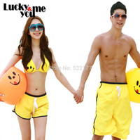 Wholesale-2015 neu kommen Frauen Mann Summer Lovers Bikini Set Beach Shorts Swimwear Smiley Bikini mit Auflage-Strand-Hosen Gelb Paar Sets