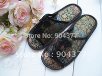 Wholesale Unique Flip Flops - Wholesale-Unique Hotel Slipper Chinese knot Silk Flower Black Slippers For Women 5pair lot Free shipping