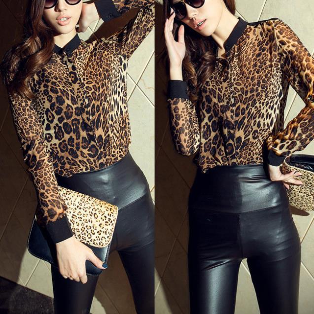909f7ccfd4e03 Compre Atacado Moda Feminina Blusas Estampa De Leopardo Blusas Femininas  2015 Tops Camisa Chiffon Camisas Plus Size 3 Cores Das Mulheres Tops  Quimono De ...