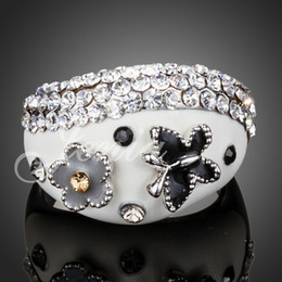 $enCountryForm.capitalKeyWord Canada - White Gold Plated Stellux Austrian Crystal Enamel Butterfly and Flower Design Finger Ring 2014 FREE SHIPPING (Jenia XR132)
