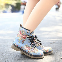 Wholesale British Martin - Wholesale-Fashion Lacing Women Boots British Style Vintage Martin Boots Big Flower Women Ankle Boots botas femininas