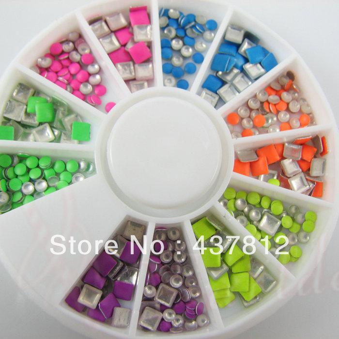Toptan-10 Tekerlekler 5000 adet Floresan Neon Renk Metal Çiviler 2-3mm Kare Yuvarlak Mix Çiviler Nail Art Rhinestone Dekorasyon Boncuk Manikür