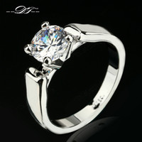 Wholesale Cz Solitaire - Simple CZ Diamond Engagement Rings Wholesale Silver Color Platinum Plated Fashion Brand Cubic Zirconia Wedding Jewelry For Women DFR053