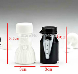 Wholesale Groom Wedding Bubble - Wholesale-Bride and Groom Wedding Bubble Bottle Favors soap water bottle for wedding and party baby favors wedding supplies decoration