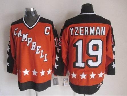 19 Steve Yzerman