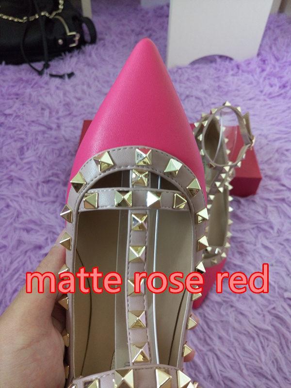 matte rote Rose