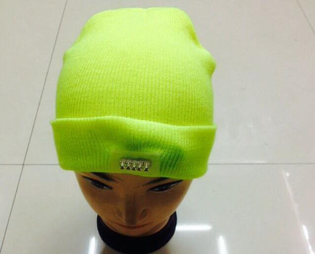 ID: 8 jaune fluorescent